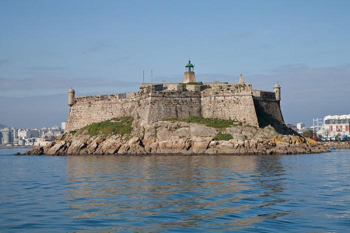 800px-Castelo_de_Santo_Antón_na_Coruña_14