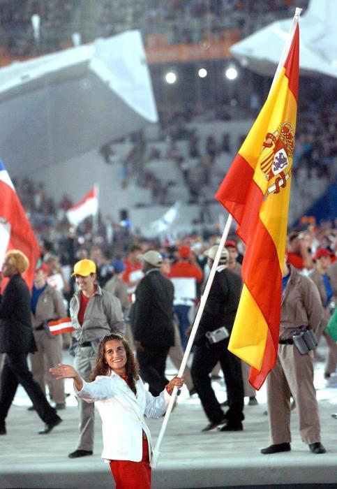 Isabel Fernández,Abanderada Española en Atenas 2004