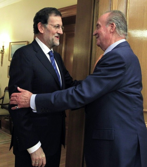 King+Juan+Carlos+Spain+Meets+New+President+2MZnI36NNlwl