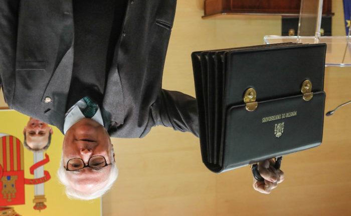 Dvd 984 13/1/20 Pedro Duque, Ministro de Ciencia e Innovación, entrega la cartera de Universidades a Manuel Castells (Unidas Podemos) acompañados por el Vicepresidente de Gobierno Pablo Iglesias, Juan Carlos Campo y Reyes Maroto. KIKE PARA.