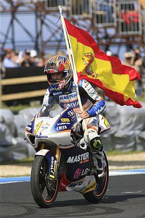 bautista-con-la-bandera-de-espana.jpg