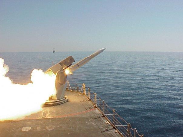 f-74-asturias-lanzamiento-misil.jpg