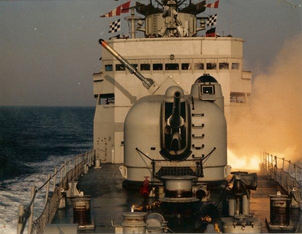 f-74-canon-5-54-lanzamiento-asroc.jpg