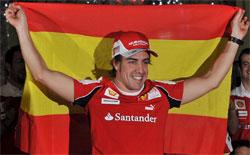 fernando-alonso-con-la-bandera-de-espana.jpg