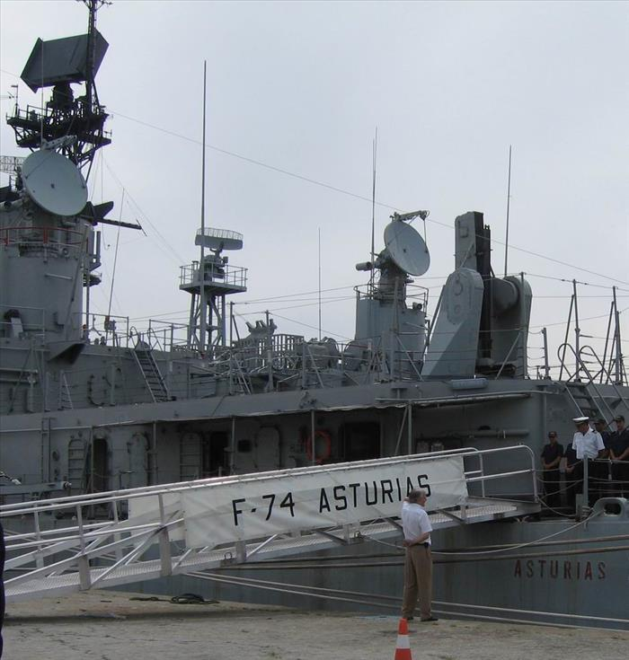 fragata-asturias-hasta-luego-companera.jpg