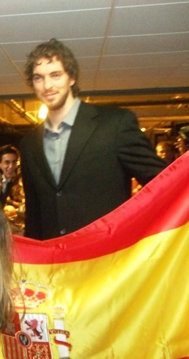 gasol-con-la-bandera-de-espana.jpg