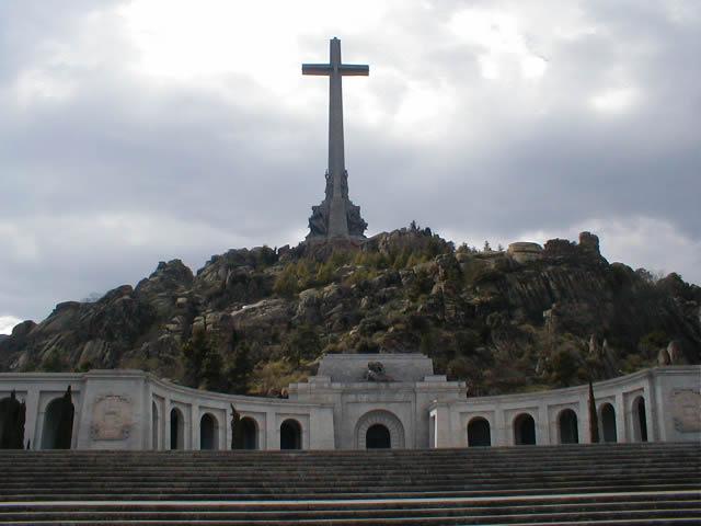 santa-cruz-del-valle-de-los-caidos.jpg